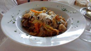 Orecchiette con fiori di zucchine e salsiccia